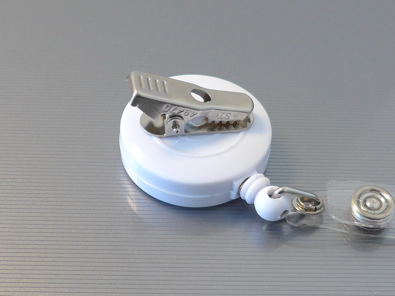 Retractable Extension Cord Reel >> Retractable Badge Holder ID Card Holder Reel with SWIVEL-BACK Alligator Clip White Pack of 10 ...